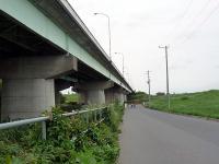 羽根倉橋沿い