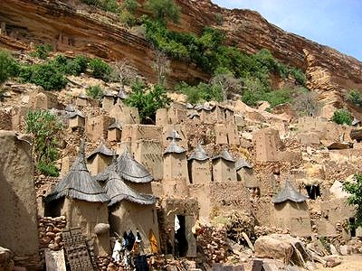 ドゴン族の村 From:Blog【SAHARAN VIBE:DOGON PEOPLE OF BANDIANGARA】