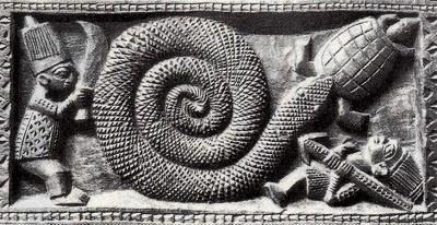 トグロを巻く蛇と亀のパネル