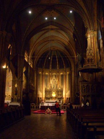 これぞ私の好きな古・プチ教会。