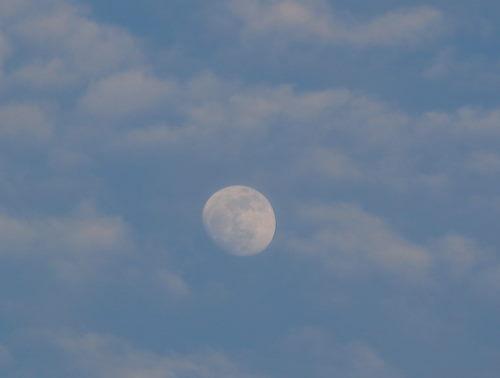 雲と月25