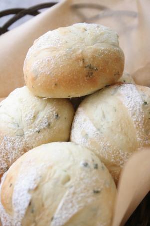 バジルプチパン