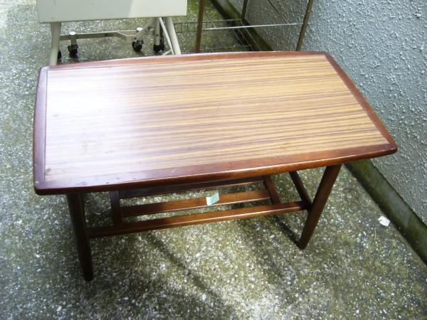 カリモクテーブル