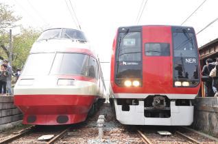 2011年5月4日 長野電鉄屋代線 信濃川田 1000系S1編成・2100系E1編成
