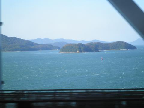 車窓からの瀬戸の島10