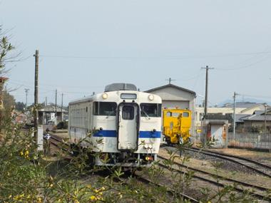 ①小林駅発車