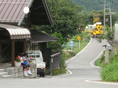 日義松沢付近にて