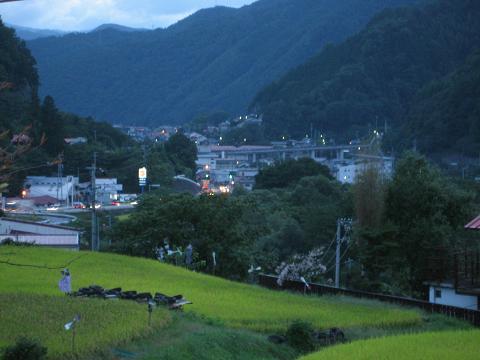 木曽福島の遠望