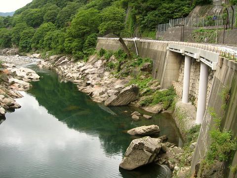 木曽川と桟