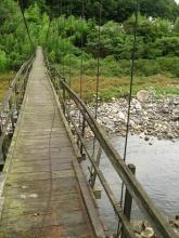 古い吊り橋