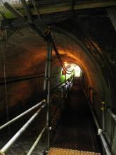十二兼北信号のトンネル