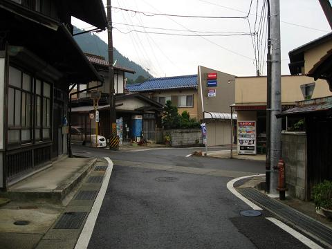 野尻宿・与川道分岐点