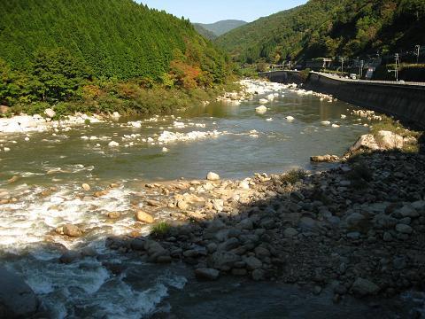 木曽川と与川の合流