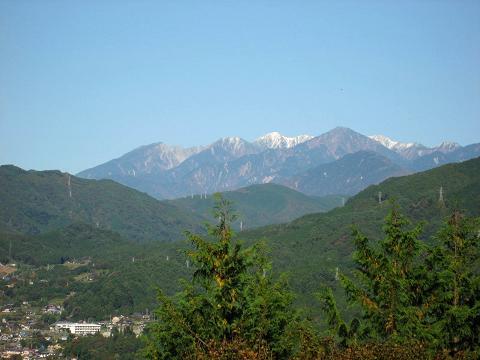 妻籠城址から木曽駒ケ岳を望む