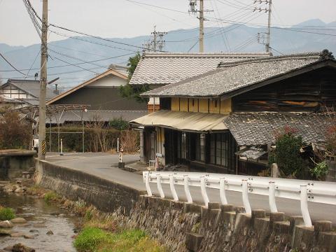 旧中山道と米田川