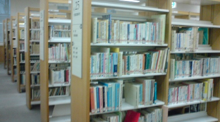 大阪市立中央図書館9