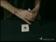 真ん中に入れたカードが一番上に移動するトランプマジックの種明かし