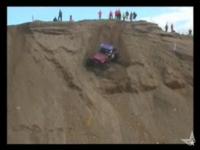 オフロードカーで砂丘を・・・