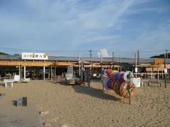 芥屋の海の家