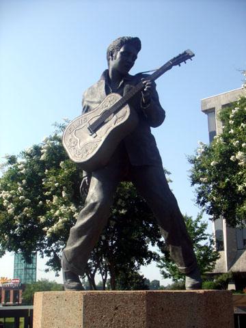 エルヴィス・プレスリー像