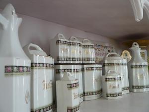 陶器キャニスターアップ2