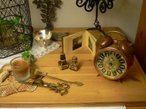 Omaの時計と蝋燭消し&アンティークインクビン