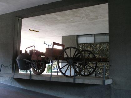 自動車博物館入り口付近
