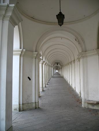 ヴィチェンツァ駅上の教会4