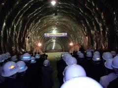 九州新幹線トンネル貫通式(貫通)