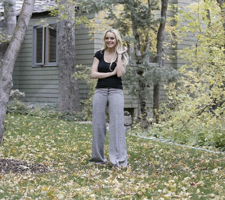 ssss-lindsay-lohan-woods-02.jpg