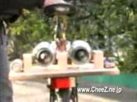 自転車にジェットエンジンを搭載