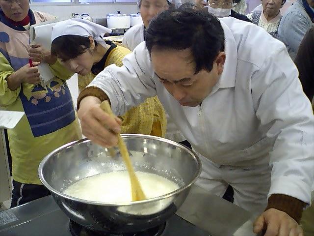 チーズ作り070217弘重先生1