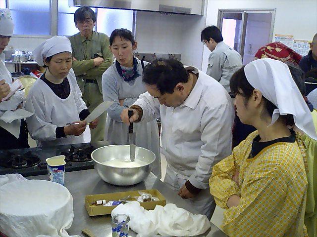 チーズ作り070217弘重先生2