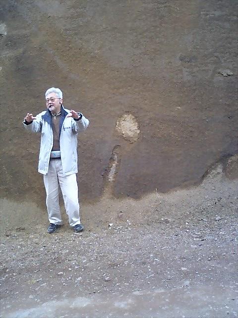 イラオ山火山弾層5