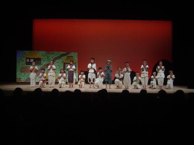国民文化祭山口子ども夢プロジェクトに参加した弥富小学校音楽劇「龍のおくりもの」