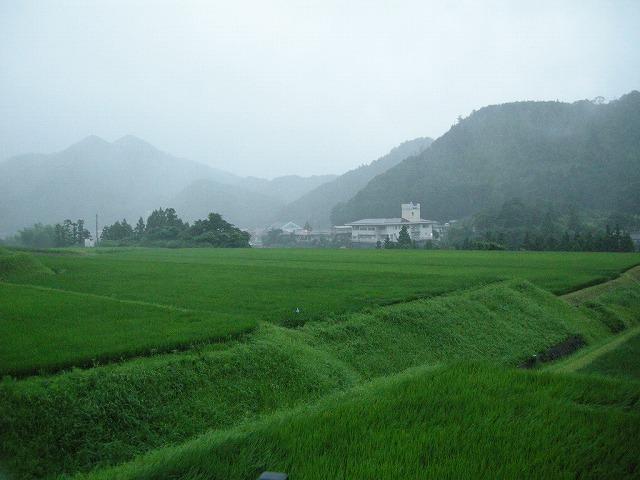 台風4号通過の後 遠田から新市を見る