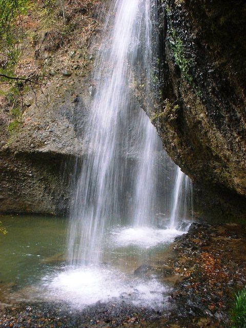 月待ちの滝2004111802
