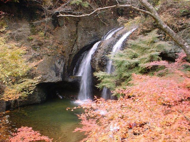 月待ちの滝2004111804