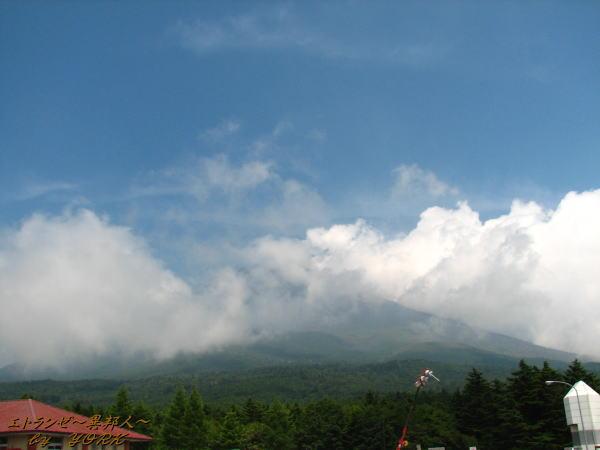 1535雲の中の富士110816