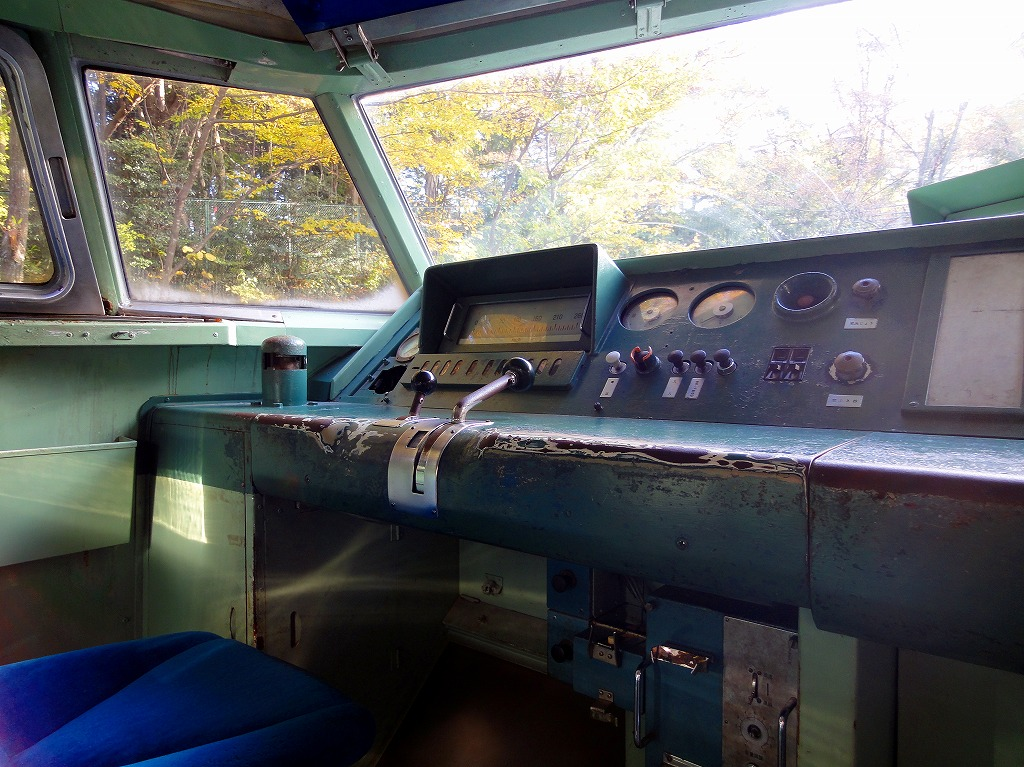 青梅新幹線運転席