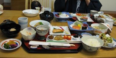 夕食。3000円也。