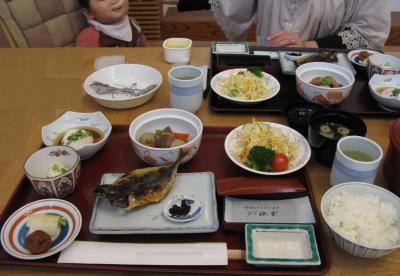 朝食。600円也。