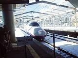 長野新幹線で孫帰って行くH200103
