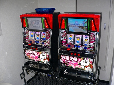 写真キャプション=大阪のショールームに設置されている「満開花桜」の実機