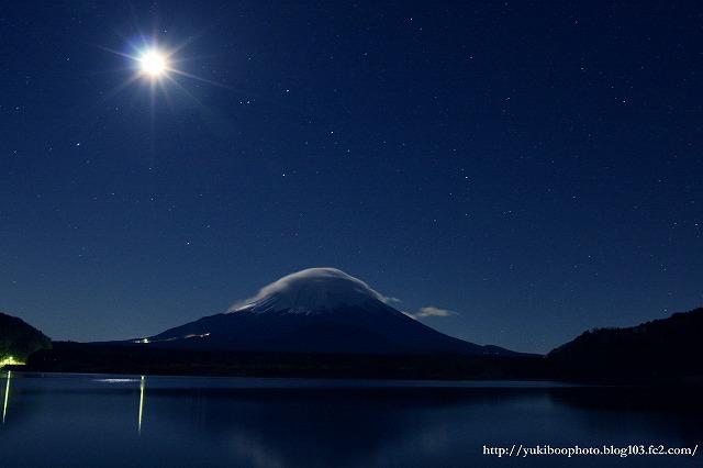 月と富士2