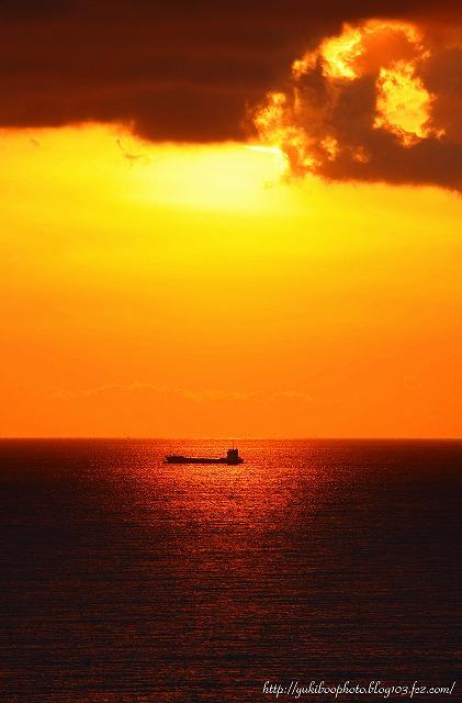 船と夕日s-s