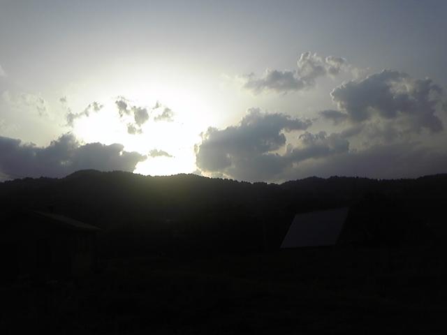 風の丘に陽は落ちて