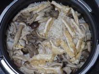 バターきのこの白だし炊き込みご飯♪調理4