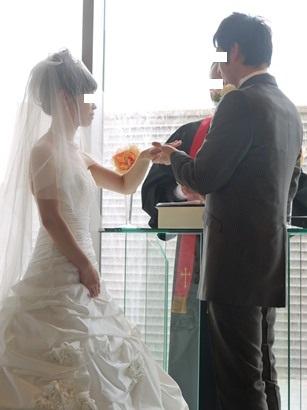 弟結婚式 指輪交換