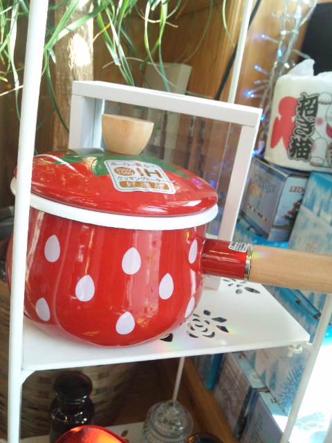 イチゴ鍋片手